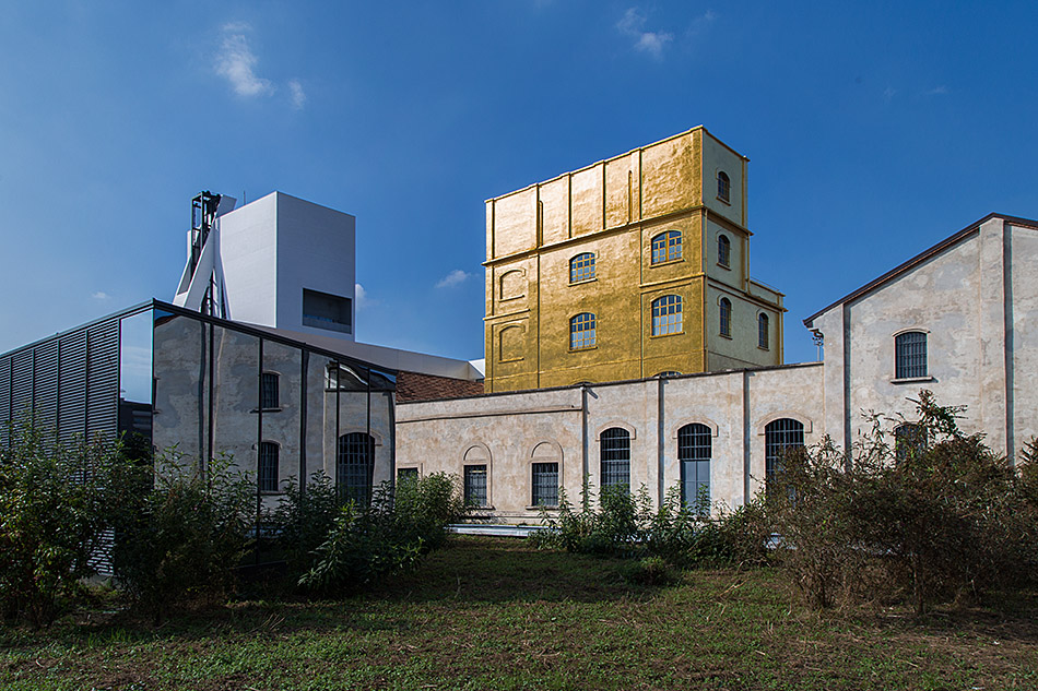 Fabian Fröhlich, Milano, Fondazione Prada, View from the outside