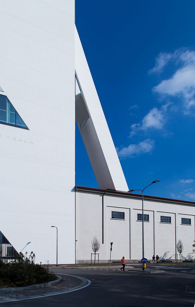 Fabian Fröhlich, Milano, Fondazione Prada, Torre