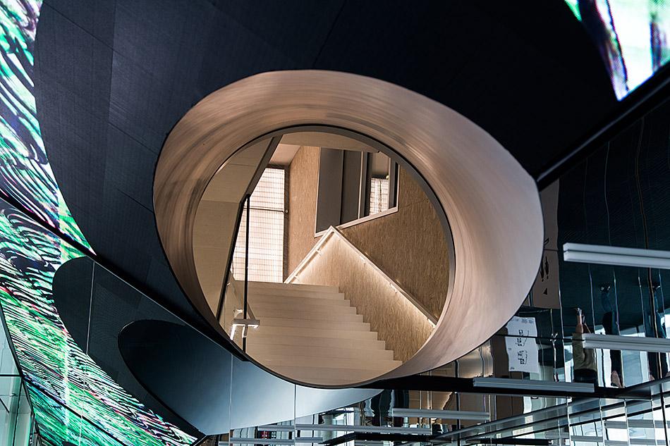 Fabian Fröhlich, Milano, Fondazione Prada, Foyer Torre