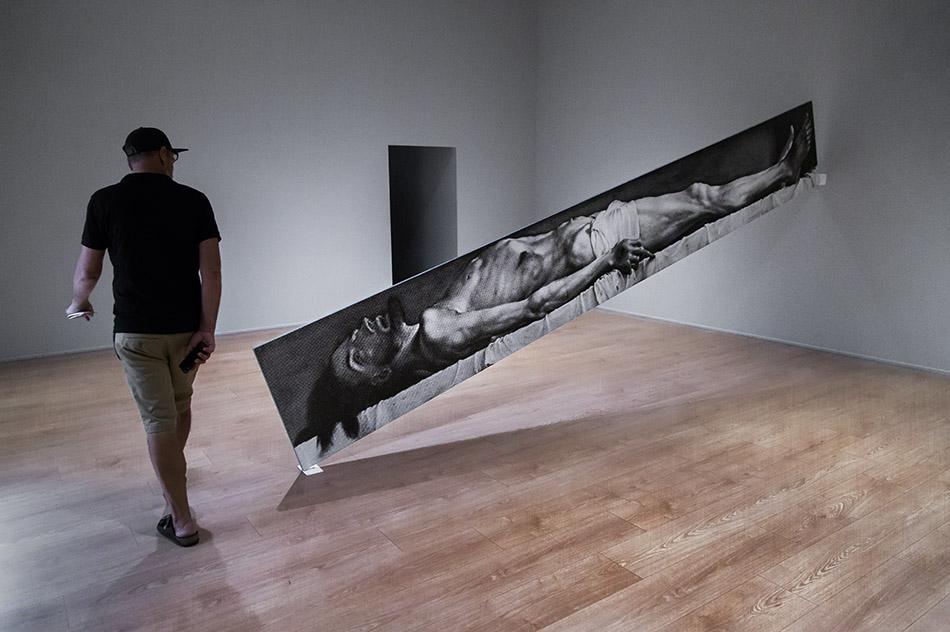 Fabian Fröhlich, Milano, Fondazione Prada, Atlas, John Baldessari, Blue Line