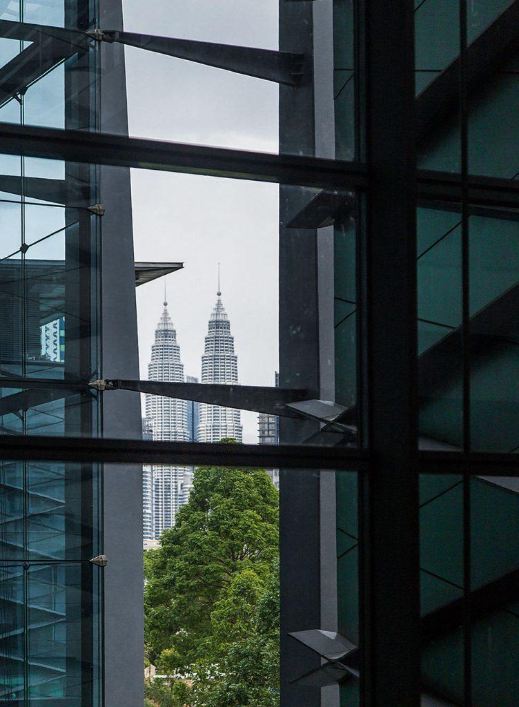 Fabian Fröhlich, Kuala Lumpur, Bank Negara Malaysia Museum and Art Gallery, view to Petronas Towers