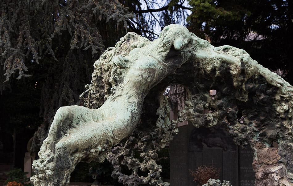 Fabian Fröhlich, Cimitero Monumentale Milano, Prada Corielli family tomb (Angel born from a rose bush by Enrico Pancera)