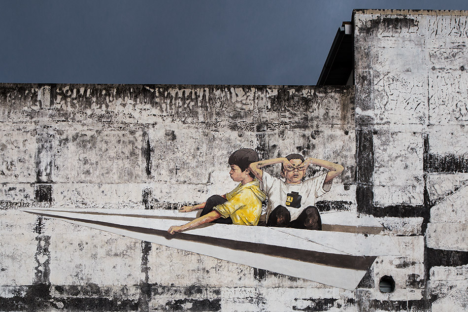 Fabian Fröhlich, Ipoh, A Paper Plane, mural by Ernest Zacharevic
