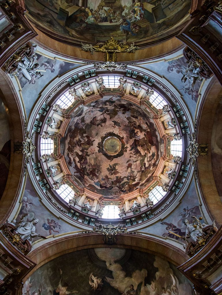 Fabian Frählich, Prag, St. Nikolaus auf der Kleinseite, Kuppel mit Fresko der Heiligen Dreifaltigkeit von Franz Xaver Palko