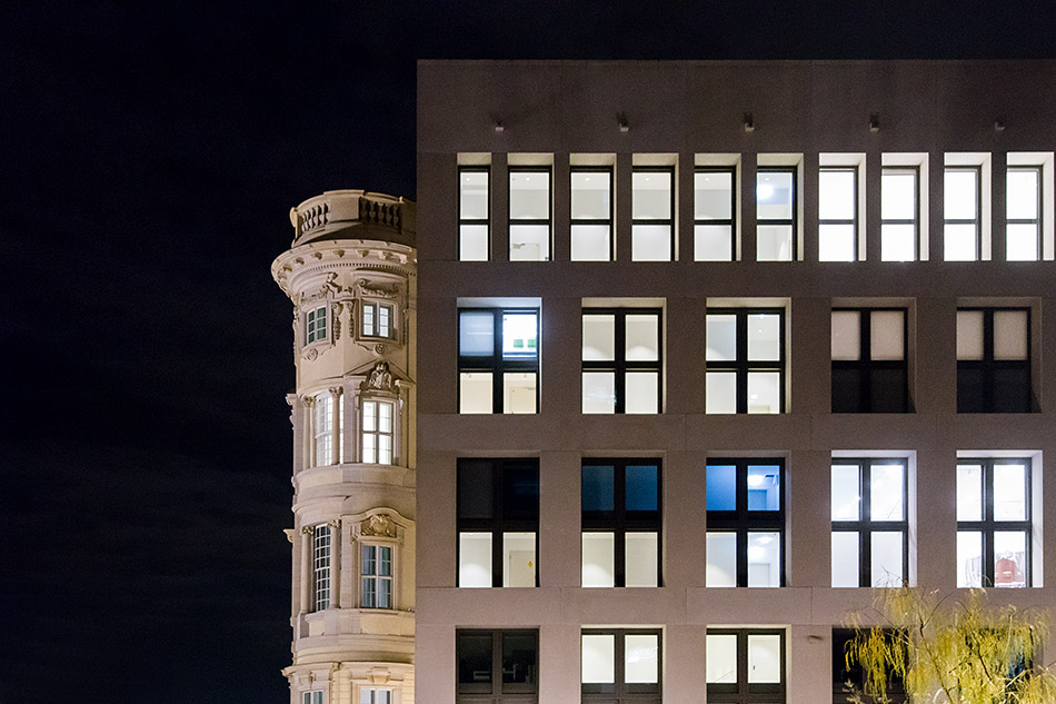 Berlin, Museen und Corona, Humboldt Forum bei Nacht