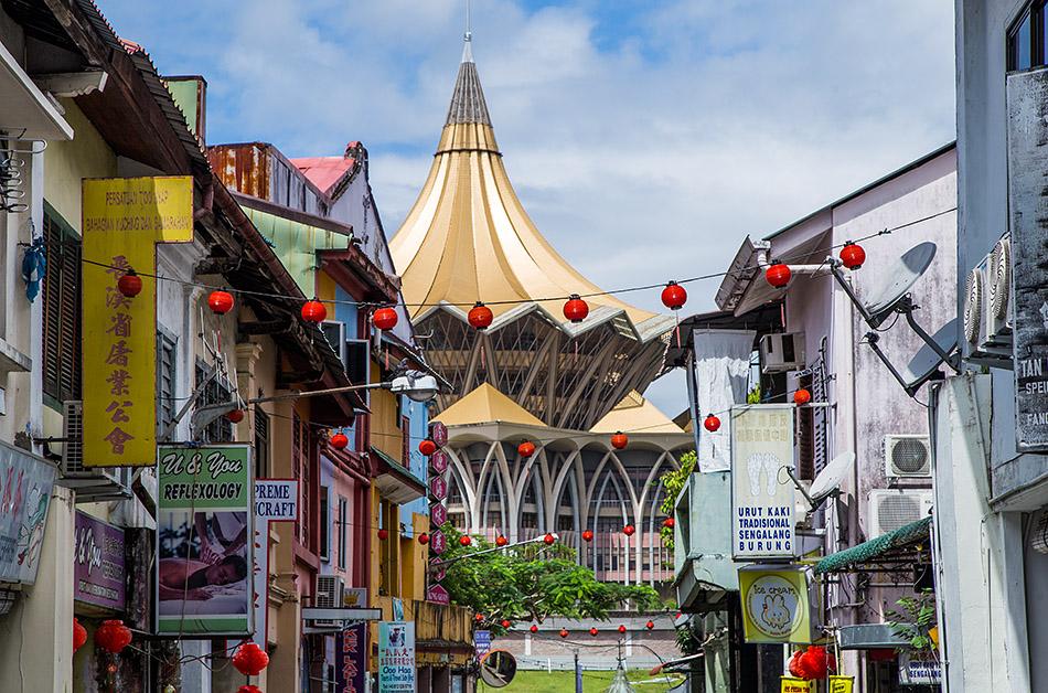 Fabian Fröhlich, Malaysia, Kuching, Bishopgate Road and Bangunan Dewan Undangan Negeri Sarawak Baru (New Sarawak State Legislative Assembly Building)