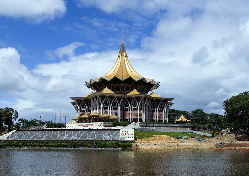Fabian Fröhlich, Kuching, Bangunan Dewan Undangan Negeri Sarawak Baru (New Sarawak State Legislative Assembly Building)