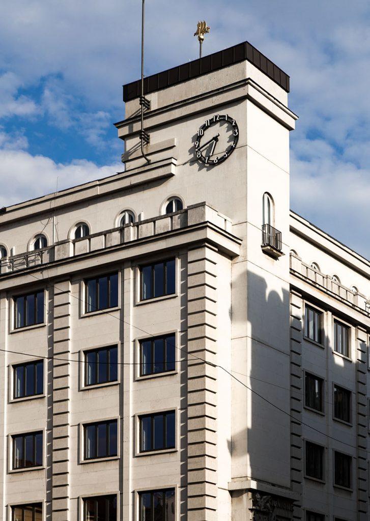 Fabian Fröhlich, Prag, Neustadt, Jungmannplatz, Deutsche Bank