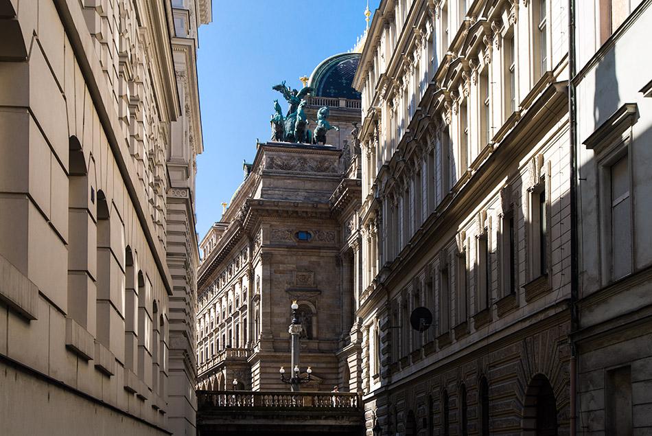 Fabian Fröhlich, Prag, Neustadt, Nationaltheater