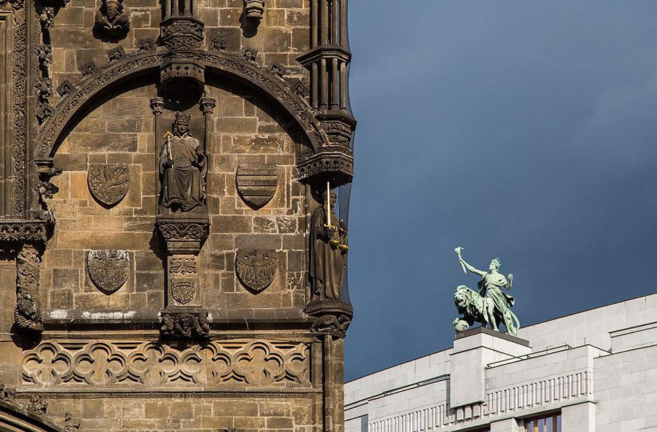 Fabian Fröhlich, Prag, Altstadt, Pulverturm und Tschechische Nationalbank