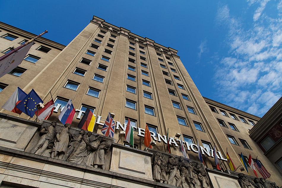 Fabian Fröhlich, Prag, Hotel International