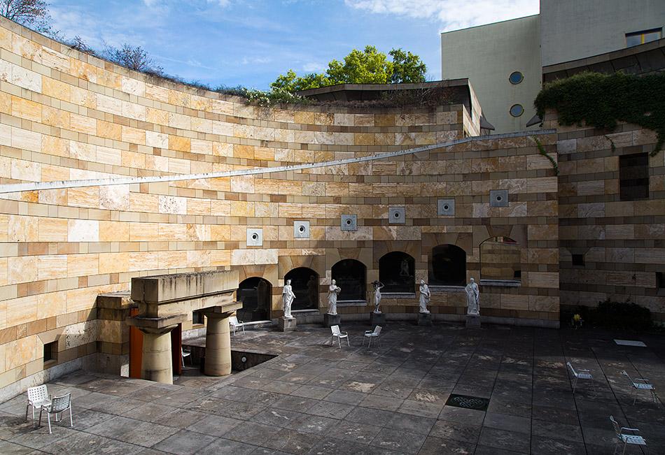 Fabian Fröhlich, Staatsgalerie Stuttgart, Architektur von James Stirling, Rotunde