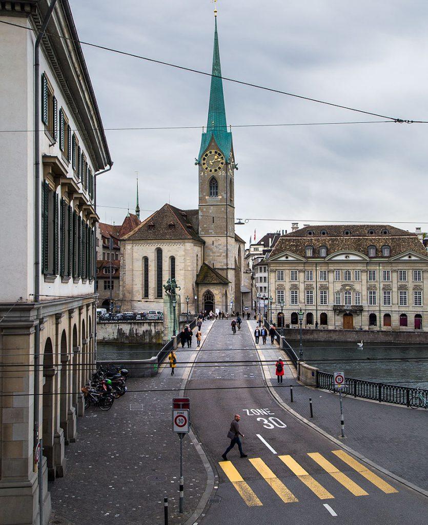Fabian Fröhlich, Zürich, Münsterbrücke and Fraumünster