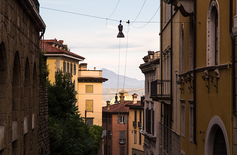 Fabian Fröhlich, Bergamo, Via Porta Dipinta