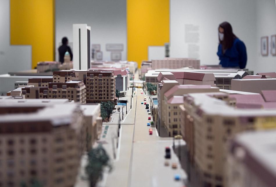 Fabian Fröhlich, Berlinische Galerie, Ausstellung Anything Goes? Berliner Architekturen der 1980er Jahre, Modell Friedrichstraße