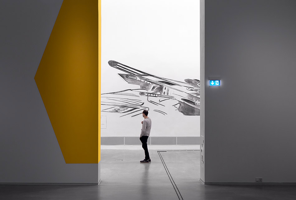 """Fabian Fröhlich, Berlinische Galerie, Exhibition """"Marc Bauer. The Blow-Up Regime"""", Gun"""