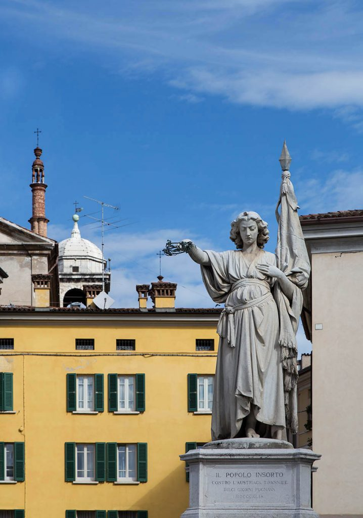Fabian Fröhlich, Brescia, Piazza della Loggia, Giovanni Battista Lombardi, Monumento alla Bella Italia